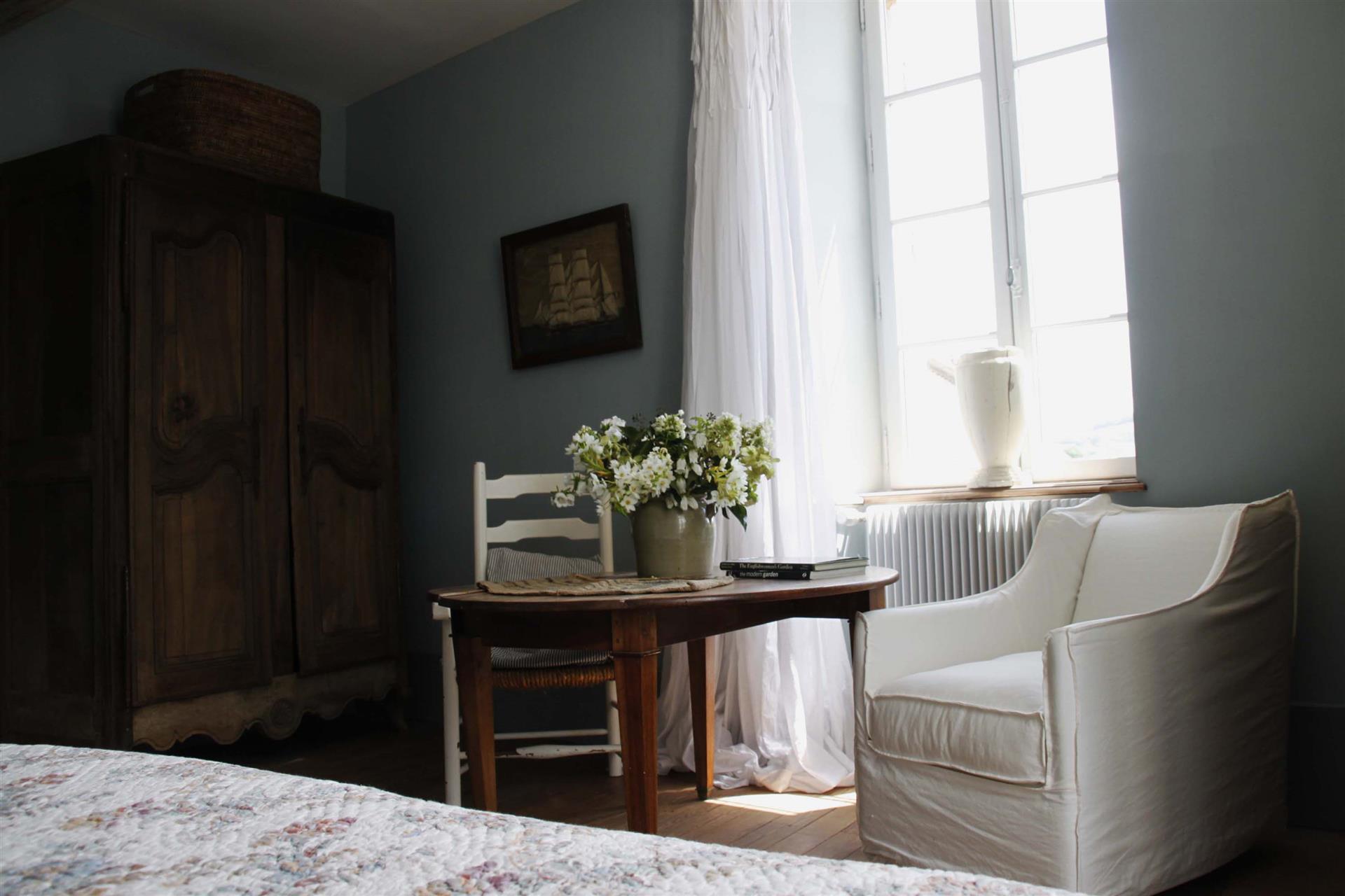 chambre bleue - L''ETOILE ARGENTÉE©I. MASSÉ