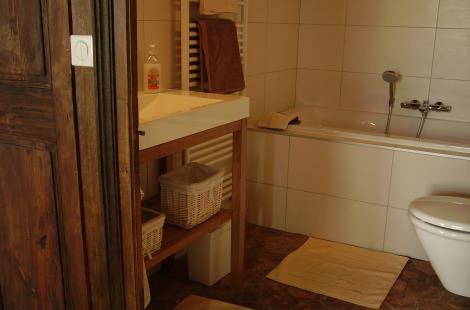 salle de bain chambre côté cour