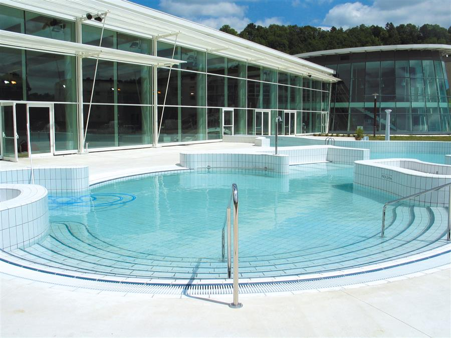 Piscine de montbard centre nautique amphitrite for Voir piscine