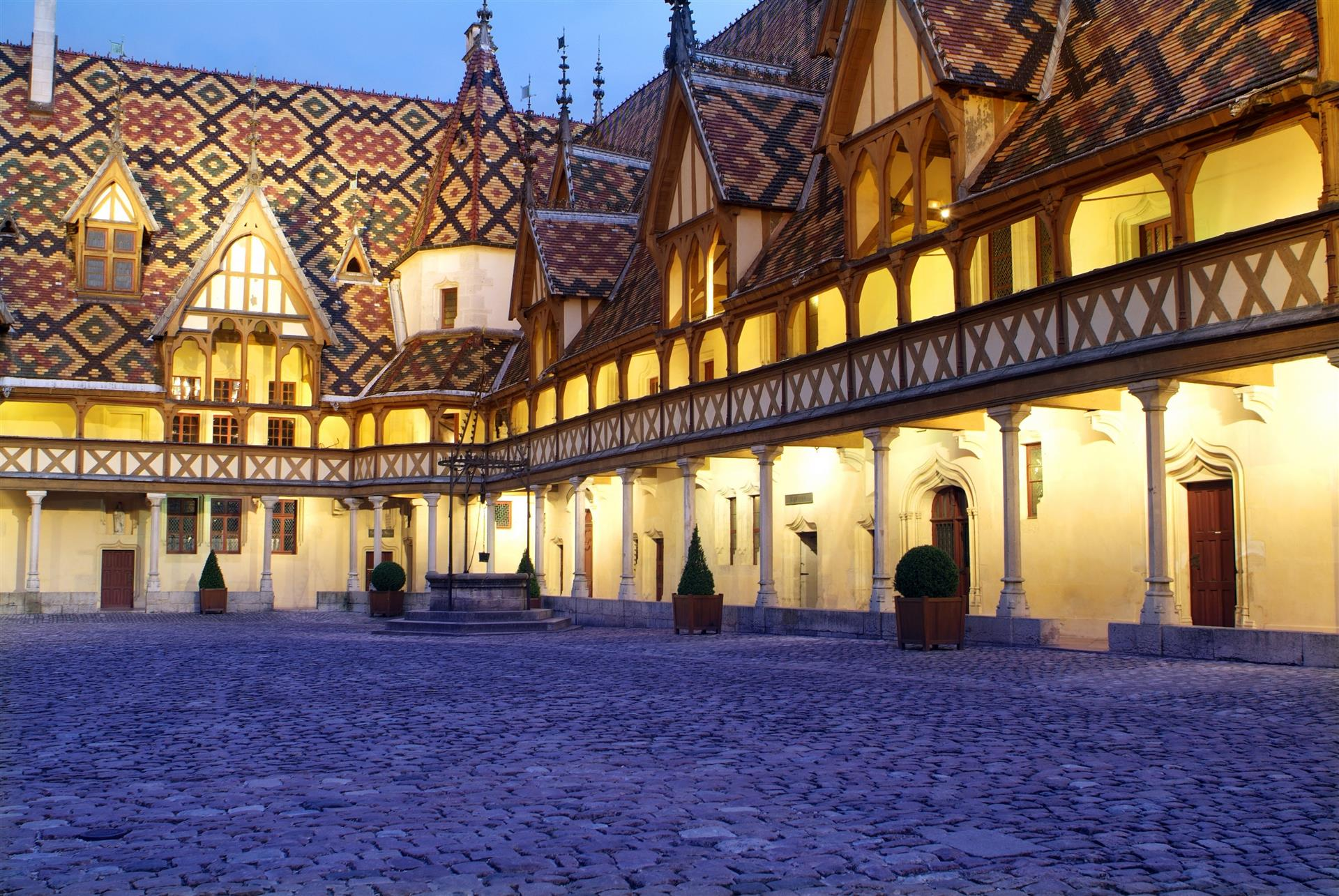 Hospices de Beaune - Office de Tourisme de Beaune
