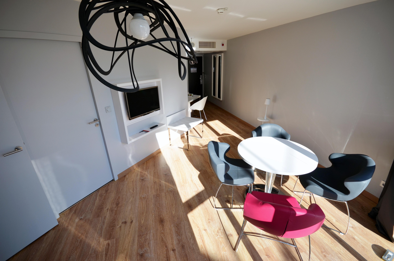 holiday inn dijon toison d 39 or dijon c te d 39 or en bourgogne c te d 39 or tourisme. Black Bedroom Furniture Sets. Home Design Ideas