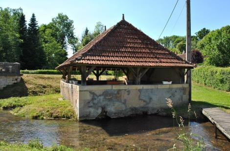 Lavoir bourg Beaumont-la-Ferriere6
