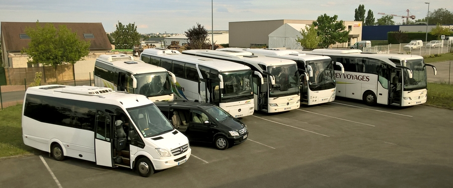 Morey_Voyages-Coaches_and_minibus_fleet - Morey Voyages