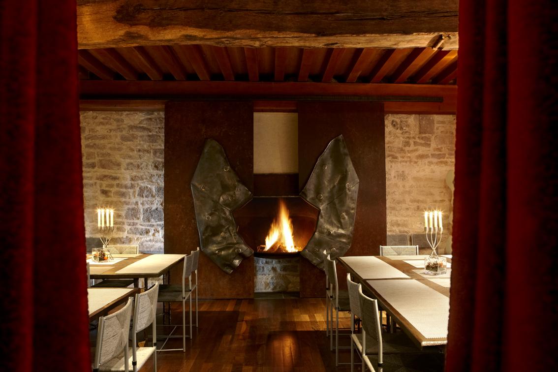 Repas dans la salle à manger du Pavillon d''hôtes - SARL MMP