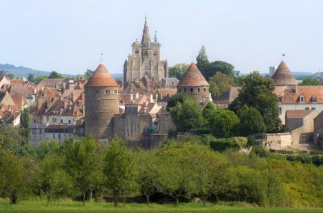 Semur en Auxois_Photo-Alain-Doire_Bourgogne-Tourisme 1
