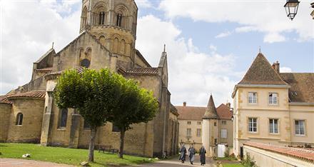 Semur-en-Brionnais-Photo-Alain-Doire_Bourgogne-Tourisme-1