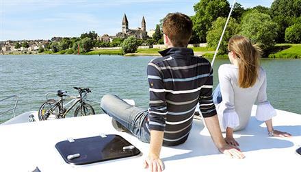 Bateau sur le Canal de Bourgogne