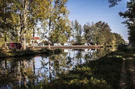 Aire de stationnement du Canal au bassin d'Artaix