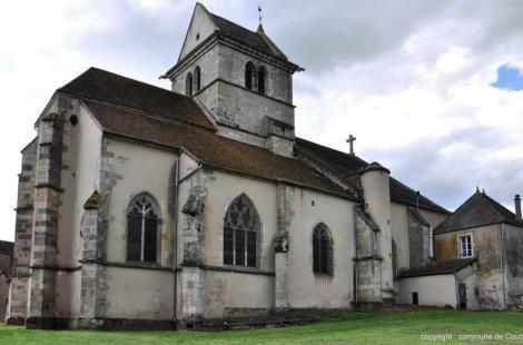 Eglise Saint-Martin de Couches: façade latérale et chevet