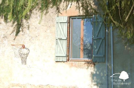 17-Gite-de-Bussieres-Selection-Exterieur-Mur-Fenetre