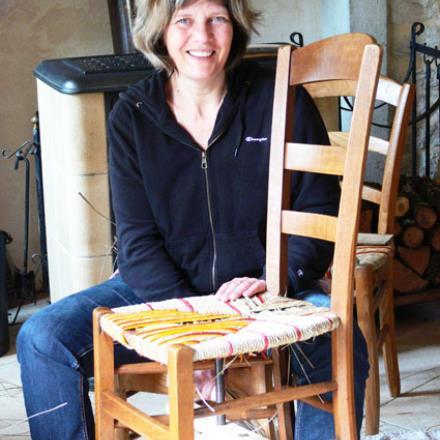 Catherine AVIET dans son atelier