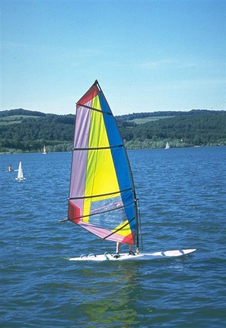 Planche à voile au lac de Panthier