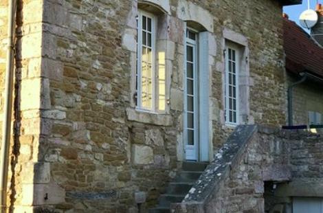 Guest-house-in-Bourgogne-Les-Maisons-de-Chamirey-La-Maison-du-Grand-Four -façade