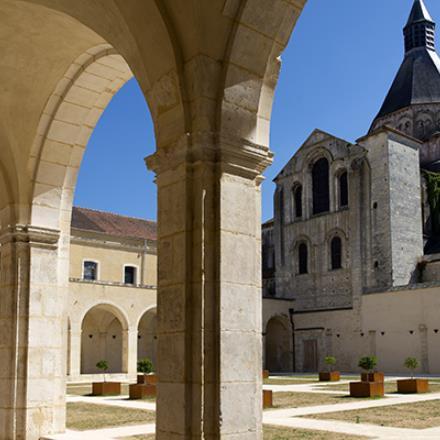 La-Charité-sur-Loire_Photo-Alain-Doire_Bourgogne-Tourisme-1