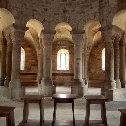 Déambulatoire de l'église romane