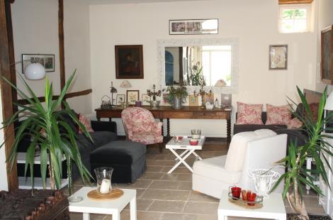 Saint-Desert---Villa-Zelia---Location-de-salle---2019---Salon