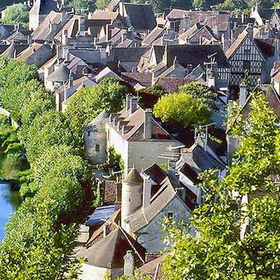 Noyers-sur-Serein - Crédit : A. Doire / Bourgogne Tourisme