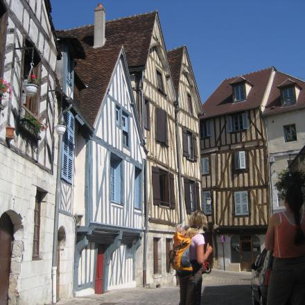 auxerre-visite-france-a-velo