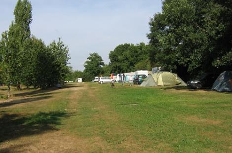 camping-chatelaines
