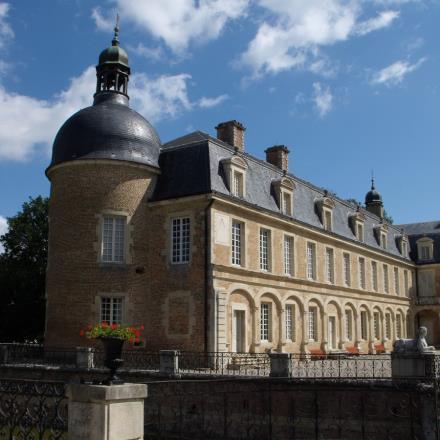 château pierre circuit 4146482 © OTPBB