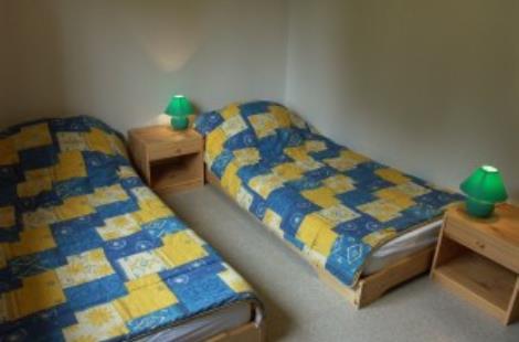 interieur-chambre-2lits-chalet-maconnais-300x225